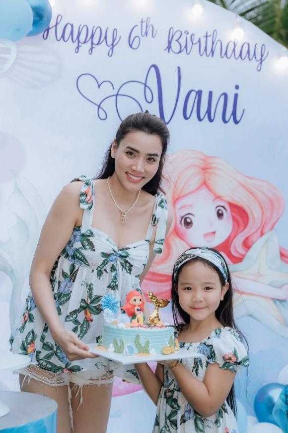 siêu mẫu Trang Nhung, sao Việt