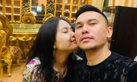 Tú Dưa, Vợ ba, Sao Việt