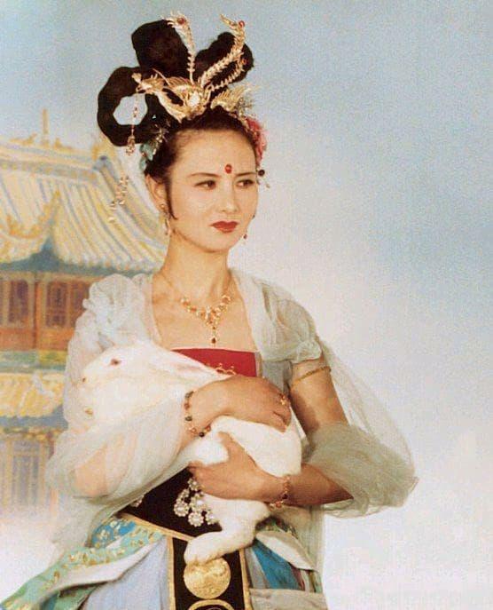 Tây Du Ký 1986, Hằng Nga, Khâu Bội Ninh, sao hoa ngữ