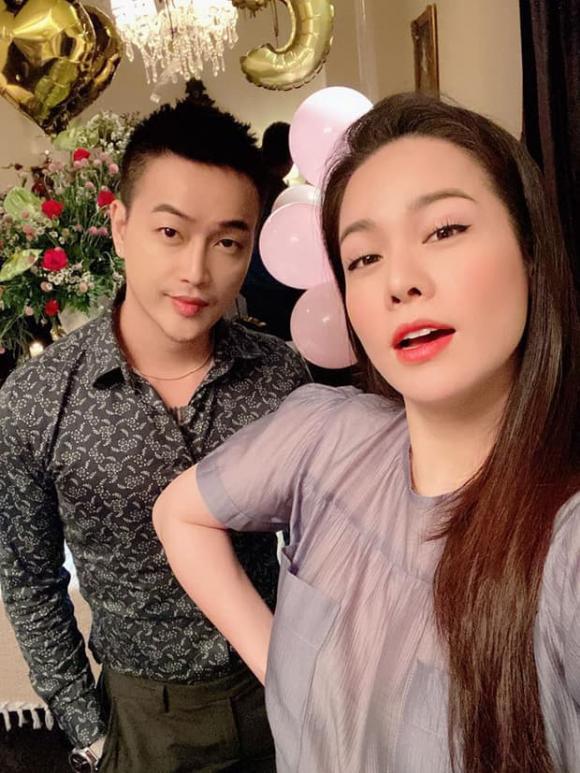 Nhật Kim Anh, Tiki, Nhóm HKT, Sao Việt