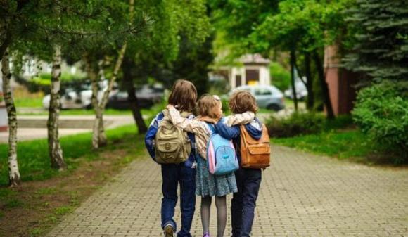 Tại sao những đứa trẻ lớn không thích đến nhà ông bà, chăm sóc trẻ đúng cách, lưu ý khi chăm sóc trẻ