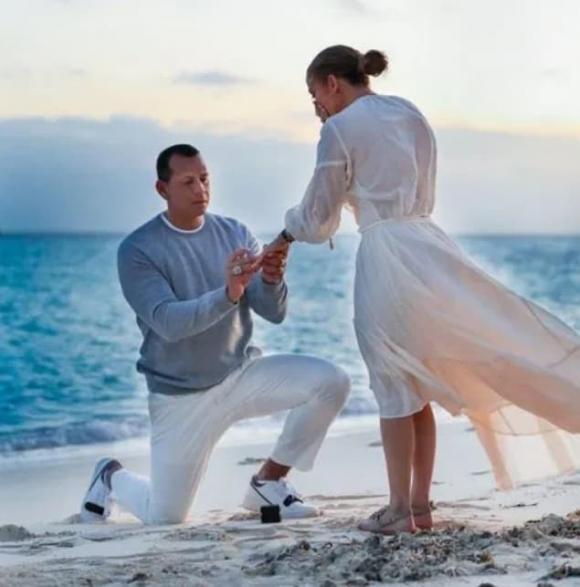 Jennifer Lopez, Alex Rodriguez, jennifer lopez hủy hôn