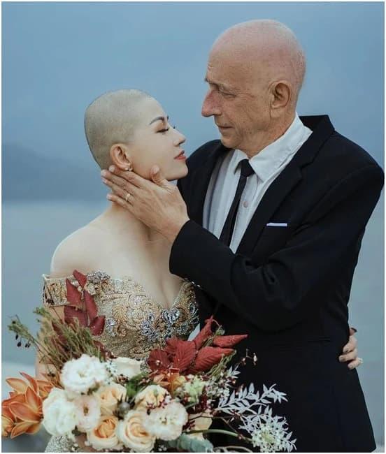 chuyện tình, ung thư, cạo đầu, tình yêu