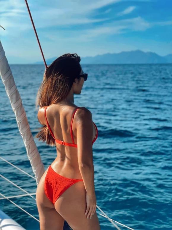Hà Anh, siêu mẫu Hà Anh, Hà Anh bikini
