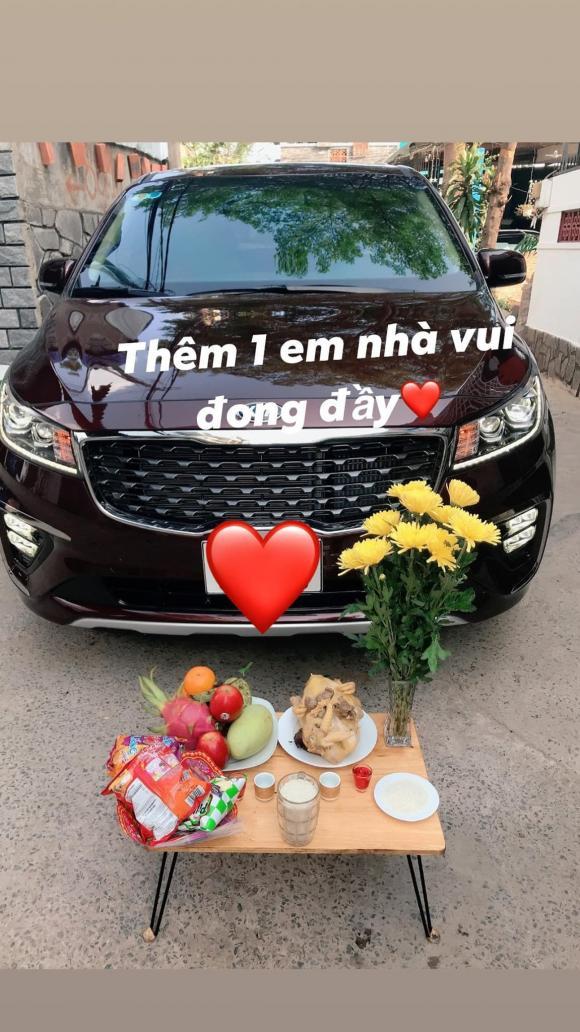 Trà Ngọc Hằng, xe của Trà Ngọc Hằng, sao Việt