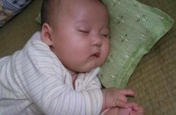 chăm trẻ, trẻ sơ sinh, trẻ ngủ