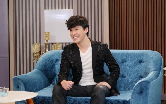 Nathan Lee, Nam ca sĩ, Ngọc Trinh, Nữ hoàng nội y