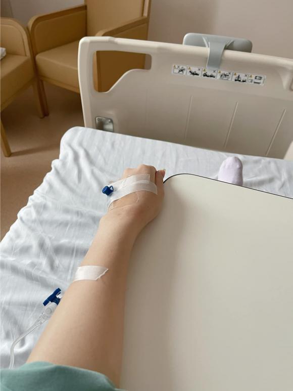 Quế Vân nhập viện 5 ngày do thiếu máu, thiếu chất, suy nhược ở tháng thứ 6 thai kỳ.