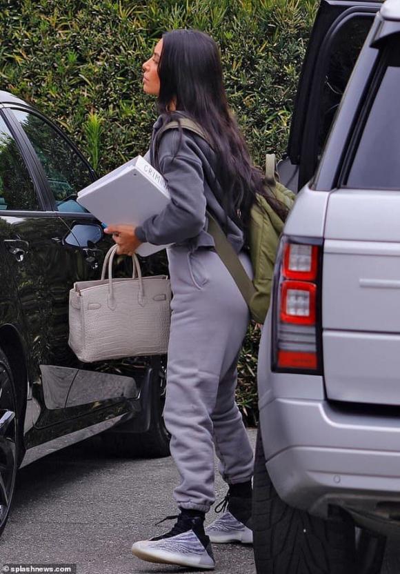 kim kardashian, kanye west, kim kardashian luật sư