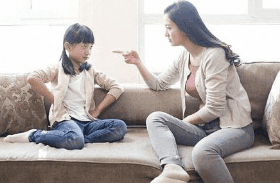 chăm sóc trẻ nhỏ, lưu ý khi chăm sóc trẻ, dấu hiệu trẻ thông minh giả
