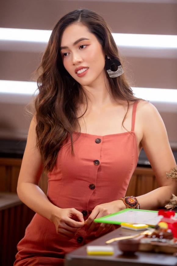 Vũ Hoàng My, Phạm Hương, Khánh Vân, sao việt