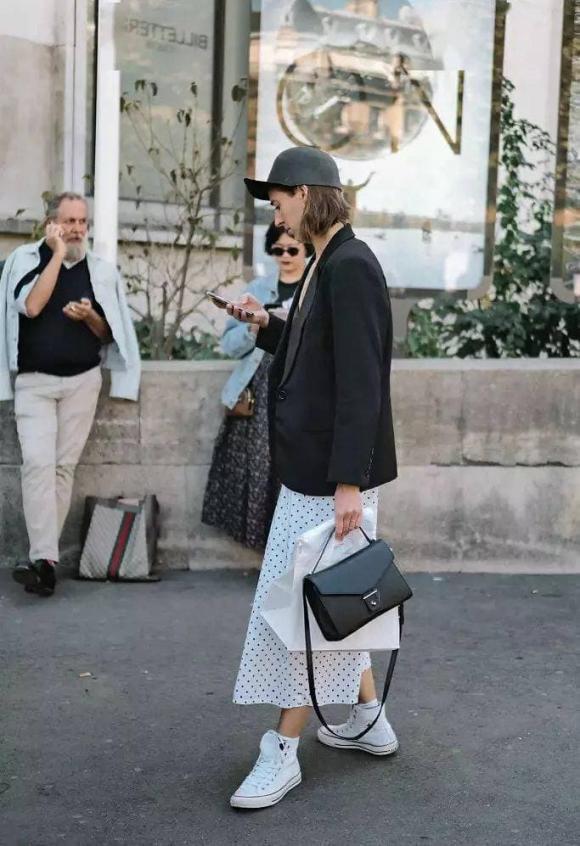 thời trang đẹp, thời trang với váy và giày trắng, cách mix đồ thời trang đẹp