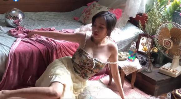 Bà Tưng, ảnh Bà Tưng, thanh niên