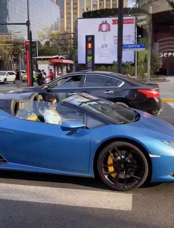 tôn lệ, xe mui trần, Lamborghini, sao hoa ngữ