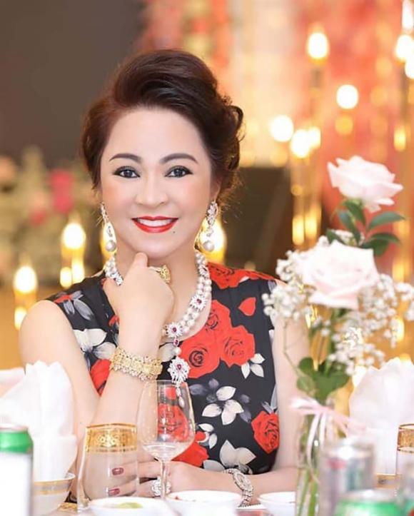 Đàm Vĩnh Hưng, doanh nhân Phương Hằng, vợ ông Dũng 'lò vôi'