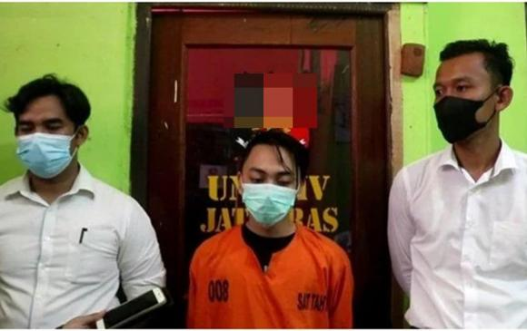nữ sinh, đẻ con, nữ sinh trung học ở Indonesia
