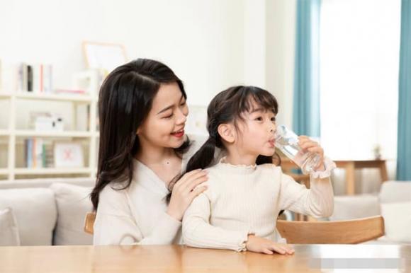 uống nước, thọ cao, sức khỏe