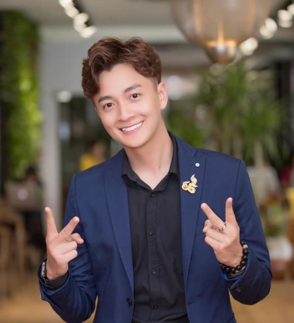 Ngô Kiến Huy, ảnh thẻ Ngô Kiến Huy, sao Việt