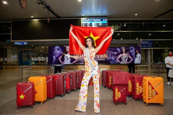 Thời trang dự thi Miss Universe của Khánh Vân được biến tấu sang phiên bản hoạt hình, nhìn dễ thương hết cỡ!