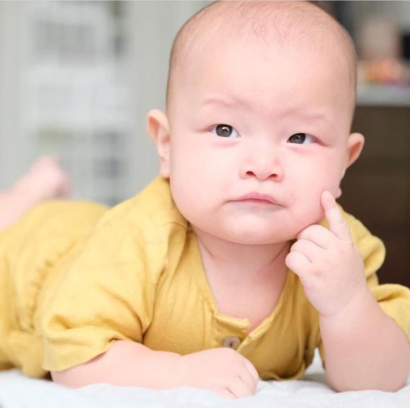 Hà Hồ, Kim Lý, Leon, Lisa, sao Việt, song sinh