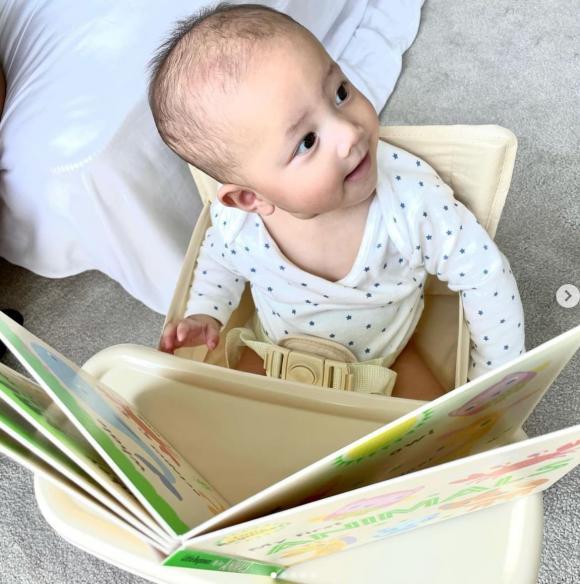 Hà Hồ tiết lộ con gái thích đọc sách giống ông bà nội, Kim Lý lại vạch tính xấu này của ái nữ