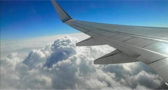 đi tàu bay, đi máy bay, đến sân bay sớm, làm thủ tục bay