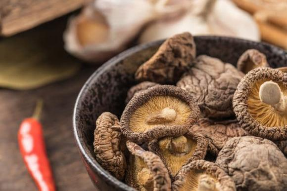 cách chọn nấm hương khô, mẹo vặt, chế biến món ngon