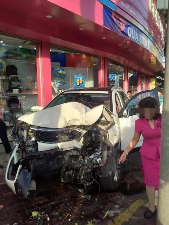 Đạp nhầm chân ga, tai nạn giao thông, nữ tài xế