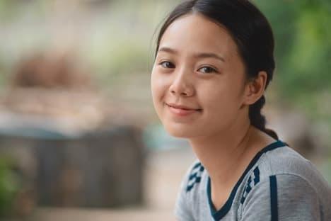 Nhã Phương, Chi Pu, Song Luân, Diễm My 9x, Quỳnh Kool, điện ảnh Việt, diễn viên việt, bình hoa di động, sao Việt