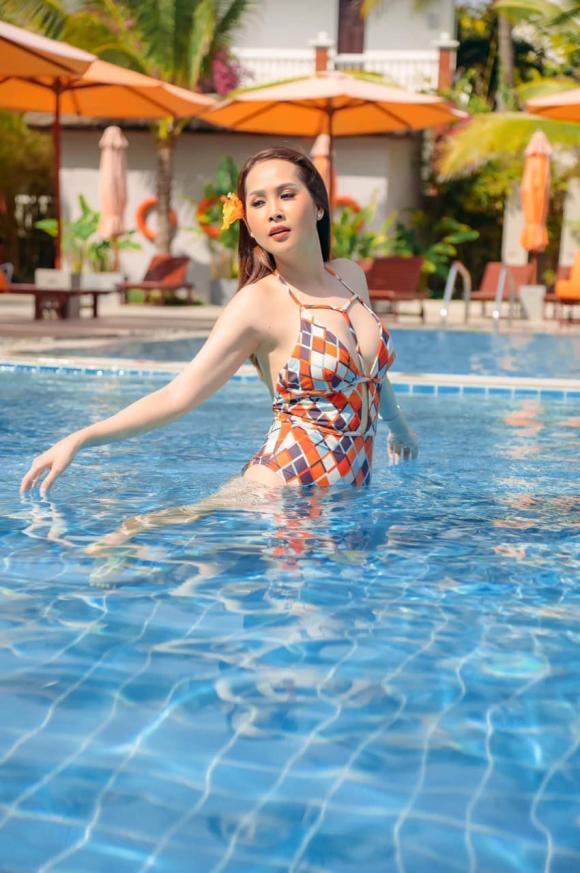 Minh Thư, Gái nhảy, nóng bỏng, bikini, sao Việt
