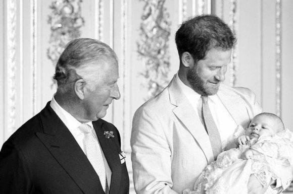 hoàng gia anh, Thái tử Charles,  Archie