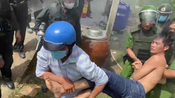 ngáo đá, Tiền Giang, bom xăng