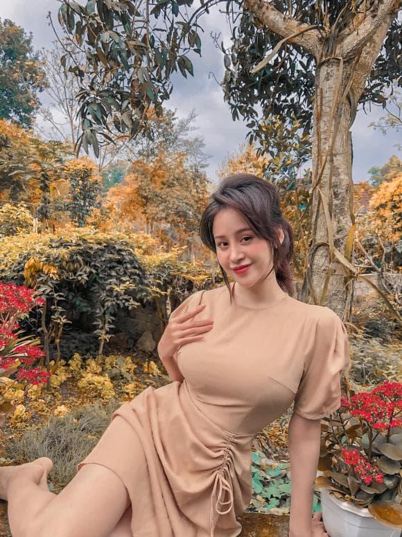 bà Tưng, thời trang, áo giấu quần, Huyền Anh