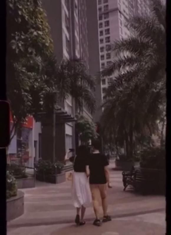 Á hậu Thúy Vân, Thúy Vân tình tứ bên chồng, bàn tay hư, sao Việt