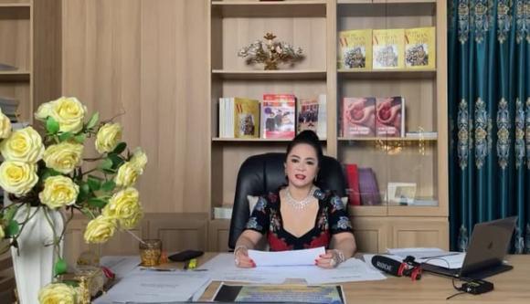 bà Phương Hằng, vợ ông Dũng lò vôi, sao Việt