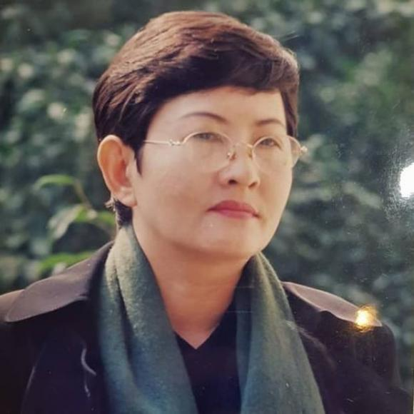 NSND Hồng Vân, NSƯT Hoa Hạ, bà Phương Hằng, Facebook, khởi kiện, sao Việt
