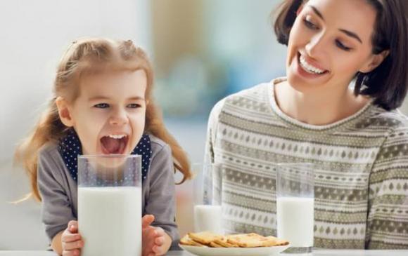 uống sữa, uống sữa khi nào tốt nhất, thời điểm nào uống sữa tốt, kiến thức