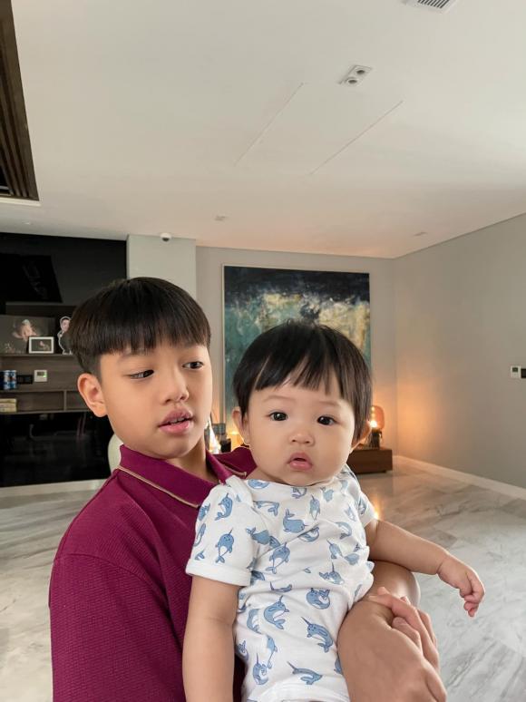 doanh nhân Cường Đô La, ca sĩ Đàm Thu Trang, sao Việt,