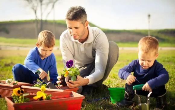 chăm sóc trẻ nhỏ, lưu ý khi chăm sóc trẻ, bạn là loại cha mẹ nào