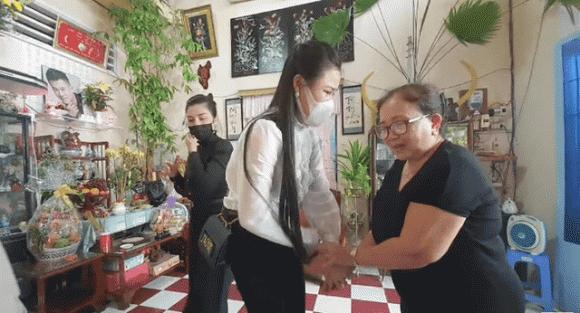 Phụ huynh cho rằng các YouTuber đã quan hệ cộng sinh với Linh Lan để bôi nhọ gia đình chồng.