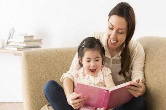 chăm con, hoạt động trong nhà, tạo niềm vui cho con, làm việc tại nhà, hoạt động,