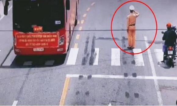 Clip tai nạn, tai nạn giao thông, sang đường ẩu