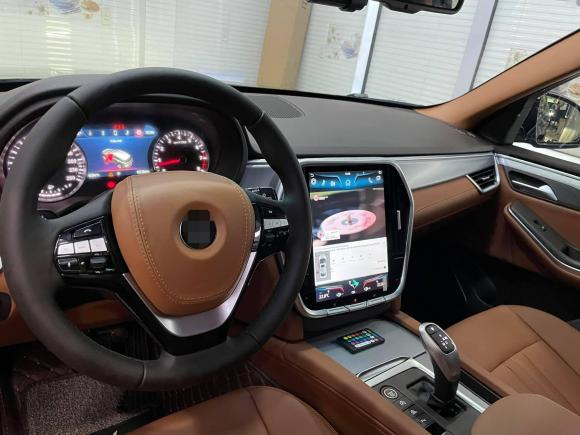 Hòa Minzy, chồng Hòa Minzy mua xe, mua xe vinfas