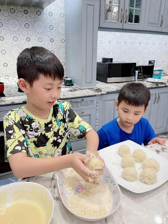 viên khoai tây chiên xù bọc phô mai, vợ chồng Đăng Khôi, Đăng Khôi, Thủy Anh