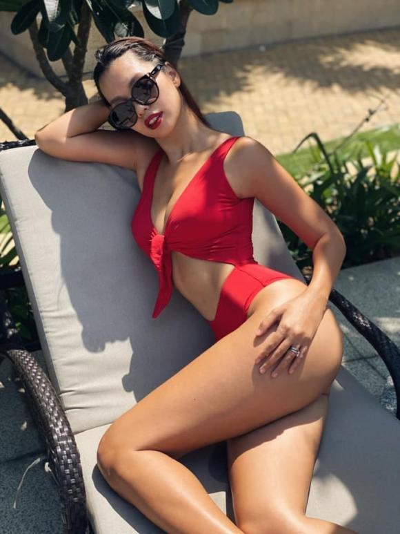 Hà Anh, Hà Anh mặc bikini, sao việt