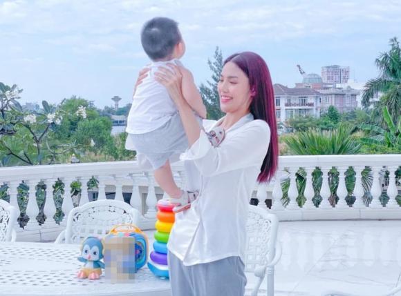 siêu mẫu Lan Khuê, sao Việt, con trai Lan Khuê