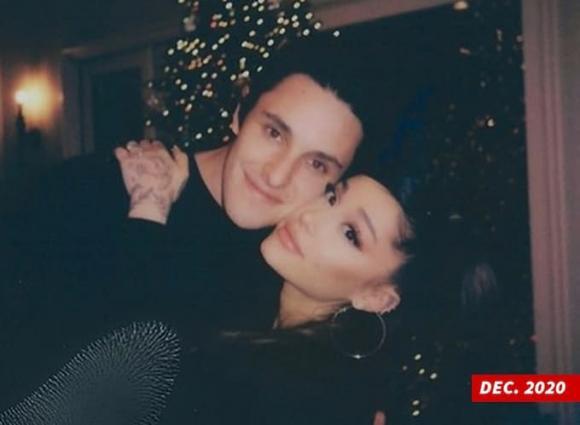 ariana grande, ariana grande kết hôn, Dalton Gomez
