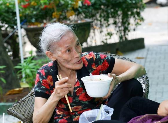 quái kiệt Bo Bo Hoàng, nghệ sĩ Bo Bo Hoàng, sao Việt