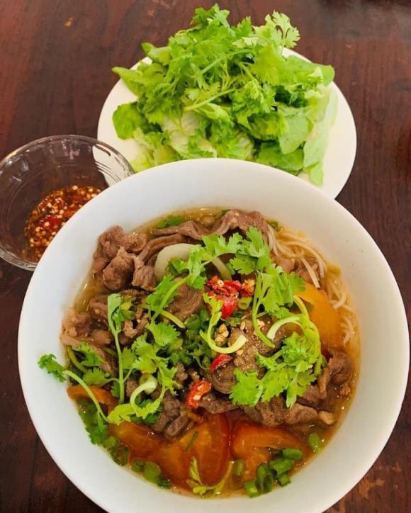 Bằng Lăng, Thu Minh, Đoan Trang, sao Việt