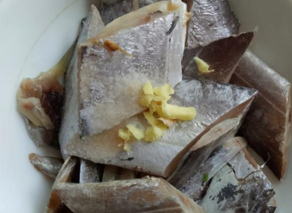 món cá, chiên cá, rán cá, dạy nấu ăn, mẹo nấu ăn